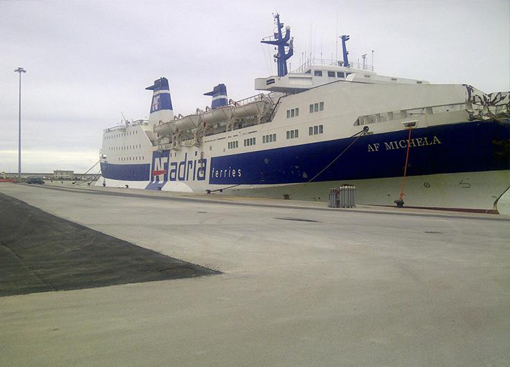 Rifacimento della banchina 22 - porto di Ancona