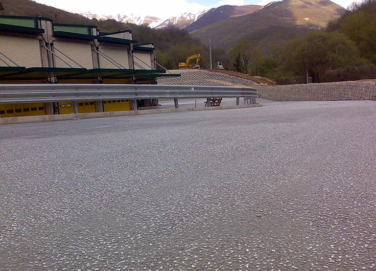 riqualificazione piazzale stabilimento produzione acque minerali Nerea SpA Castelsantangelo sul Nera (MC)